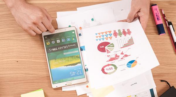 planejamento estratégico com uso de smartphone